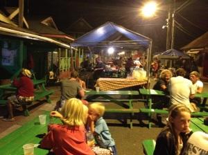 På gatefest i Gros Islet
