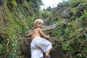 På fjelltur til toppen på Vulkanen Mount Pelee